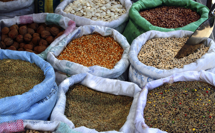 market-open-sacks-of-beans-and-legumes