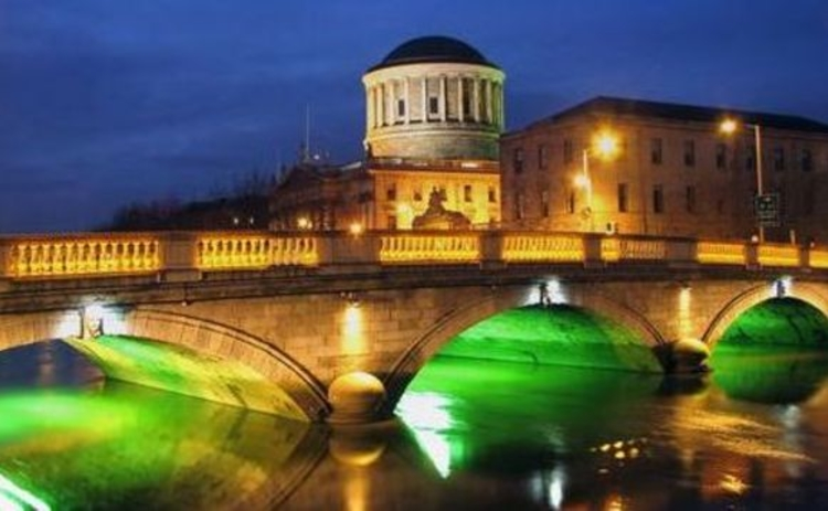 dublin-o-donovan-rossa-bridge-and-four-courts-and-river-liffey